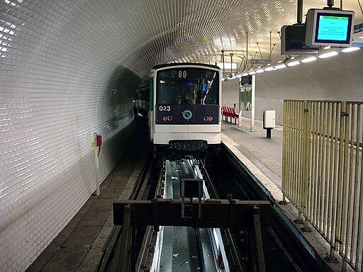 Metro de Paris - Ligne 3 bis - Gambetta 06
