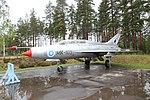 MiG-21U (MK-103) Keski-Suomen ilmailumuseo 1.JPG