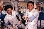 Mir-22 Korzun and Kaleri.jpg