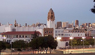 Mission High School (San Francisco) - Image: Mission High School San Francisco 1