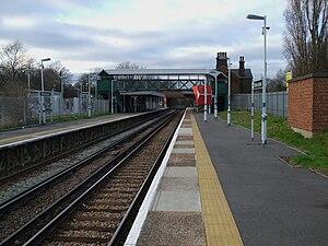 Mitcham Junction station - Image: Mitcham Junction stn mainline look northbound
