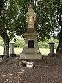 Mont-Villers (Bonzée, Meuse) oratoire-statue de la Vierge.JPG