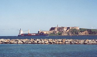 Battle of San Juan (1595) - Ship entering the bay of San Juan, in front of Fort San Felipe del Morro - view from  Isla de Cabras.