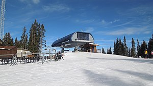 Doppelmayr USA - The Mountaintop Express lift at Vail Ski Resort, Colorado, a typical Doppelmayr Uni-G model high speed six pack, built in 2013
