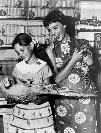 Natalie Wood - Wood with her sister Lana Wood in 1956