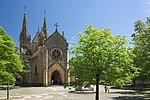 Neuenburg Kollegiatskirche Kirchenhof.jpg
