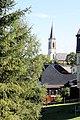 Neuhausen (Erzgeb.), Blick zur Kirche.JPG