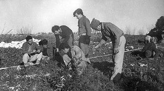 Neve Ilan - Palmach land mine trading in Neve Ilan, 1947
