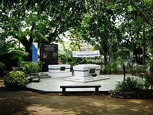 Manila North Cemetery - Magsaysay Memorial