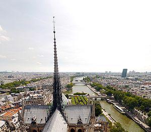 Notre-Dame de Paris, July 22, 2012.jpg