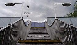 Oakleigh Park railway station MMB 06.jpg