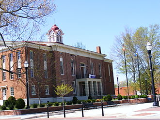 Hardeman County, Tennessee - Image: Old Courthouse in Spring, Bolivar TN