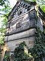 Olsanske hrbitovy, hrobka-The Olsany Cemetery, The tomb - panoramio.jpg
