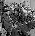 Onafhankelijkheidsdag (15 mei) Christelijke en druzische geestelijken als toesc, Bestanddeelnr 255-4654.jpg