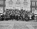 Ontvangst Ridders MWO op Huis ten Bosch , de Koninklijke familie te midden Ridde, Bestanddeelnr 917-7099.jpg