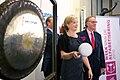 Opening handelsdag Amsterdamse Beurs op de Wereldalfabetiseringsdag - De gong.jpg