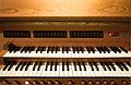 Orgel von St. Oswald (Weilimdorf), Spieltisch.jpg