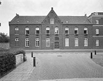 Overzicht voorgevel hoofdgebouw - Sambeek - 20340871 - RCE.jpg