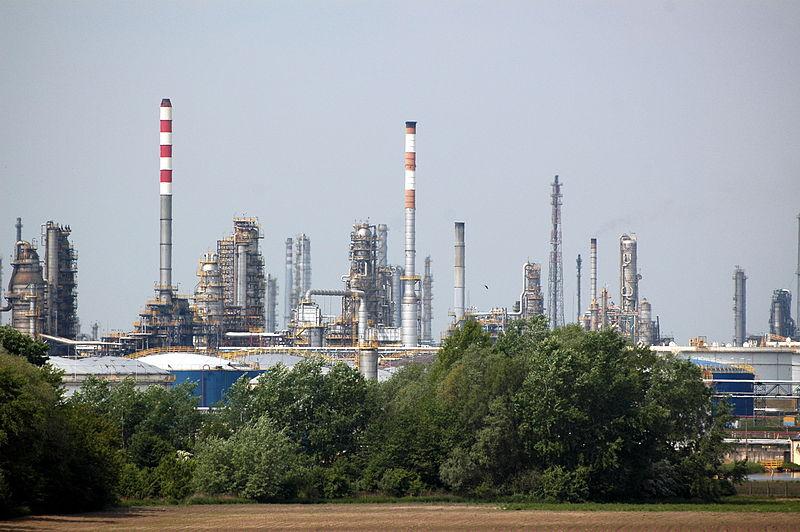 Польский топливный гигант PKN Orlen расширит сеть свои заправок в Литве
