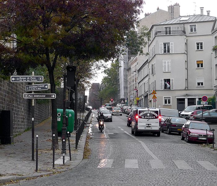 Fichier:P1060512 Paris XX rue de Bagnolet rwk.JPG
