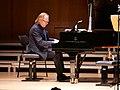 P1185073 Roland Pöntinen (Meisterkonzert).jpg