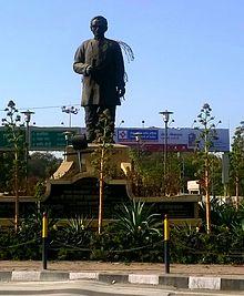 Pandit Deendayal Upadhyay Statue at Bapat Square (Sukhliya) Indore.jpg