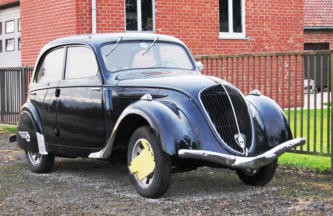 File:Peugeot 202 At The Frontier Featuring 21st Century