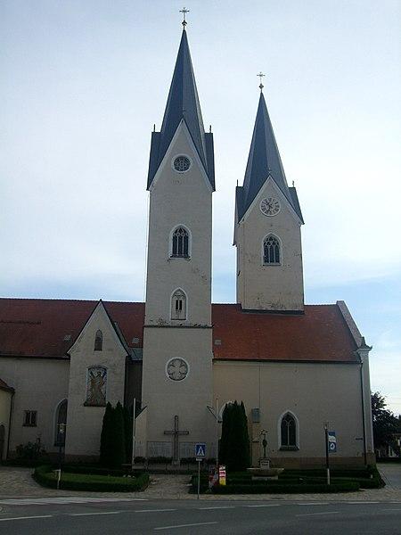 Datei:Pfarrkirchestandrä.JPG