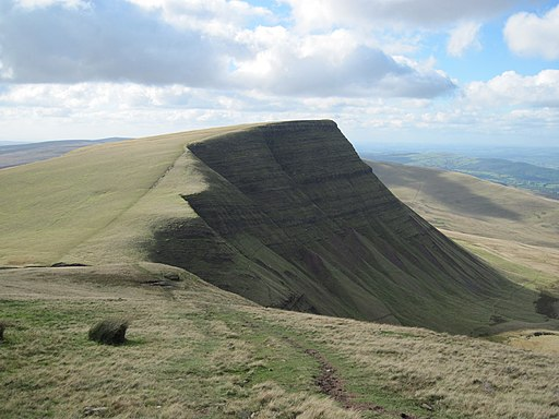 Picws Du from the east - geograph.org.uk - 2128126