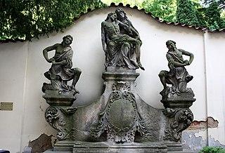 Socha Piety u nemocnice Milosrdných sester svatého Karla Boromejského
