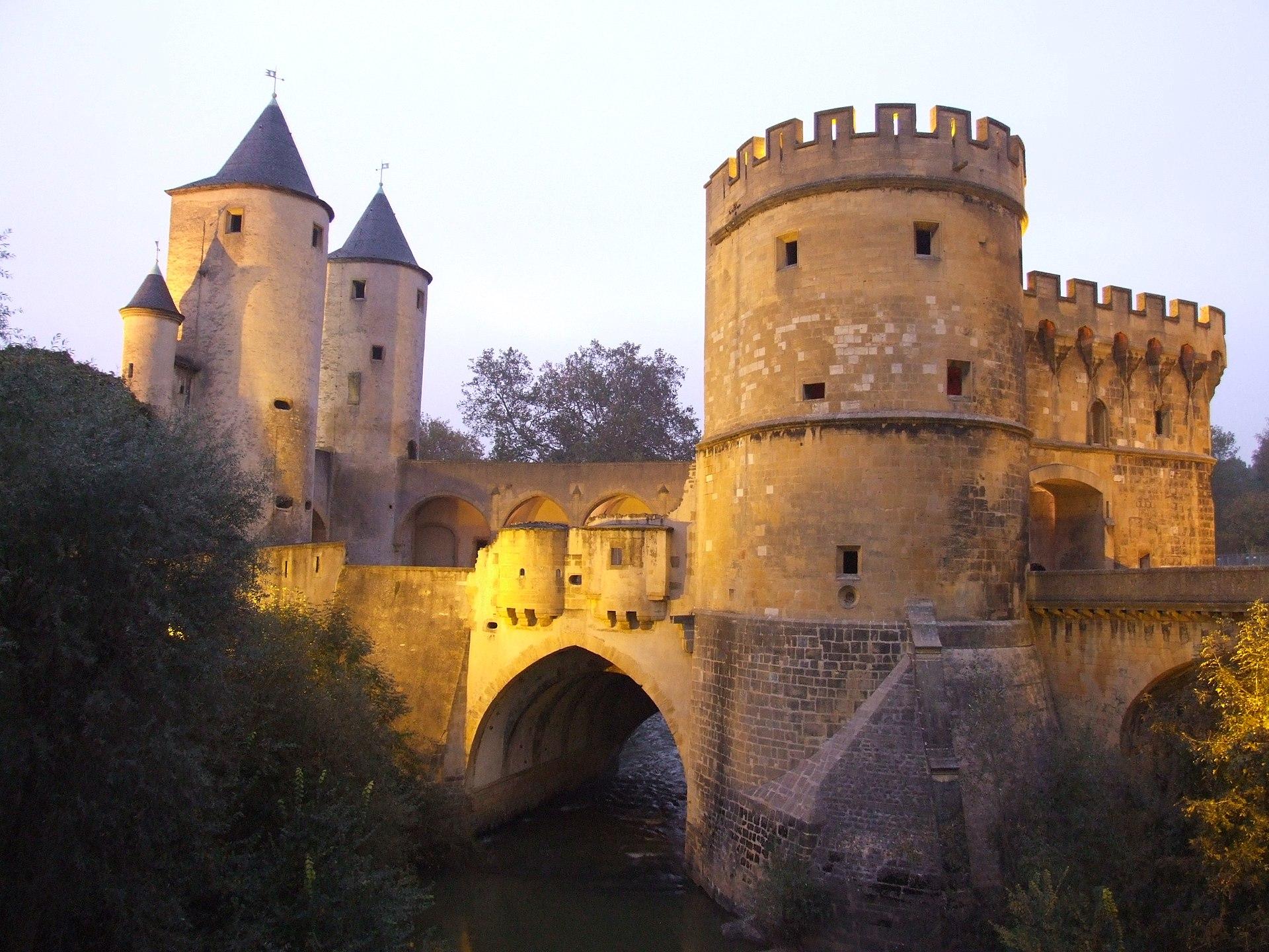 Germans' Gate, A Bridge Castle