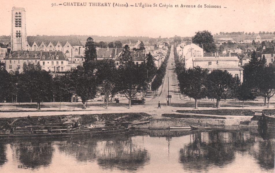 Postcard - Château-Thierry (Aisne) - Soissons avenue as seen from the other side of the Marne river - circa 1910.