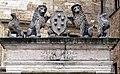 Pozzo dei Grifi e dei Leoni 16.jpg