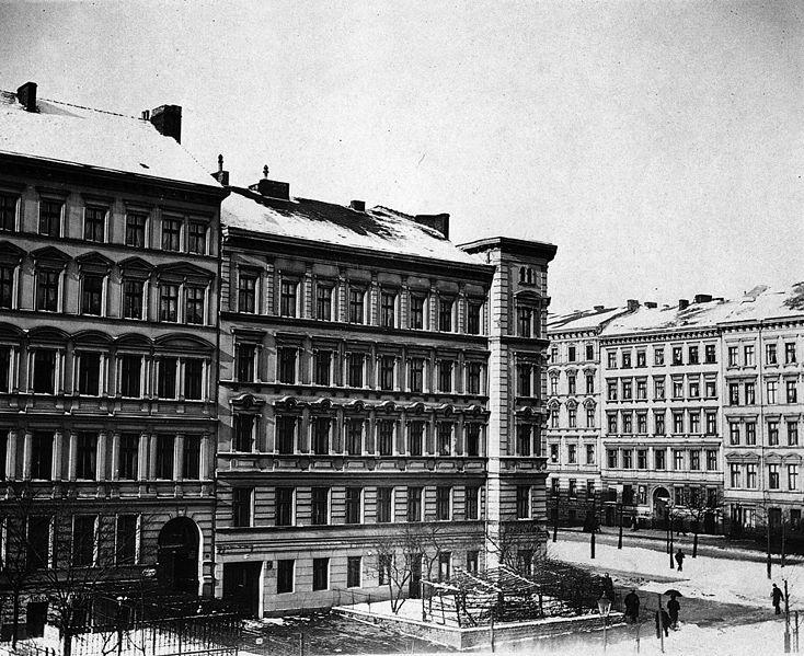 File:Prenzlauer Allee, Berlin 1900 (2).jpg
