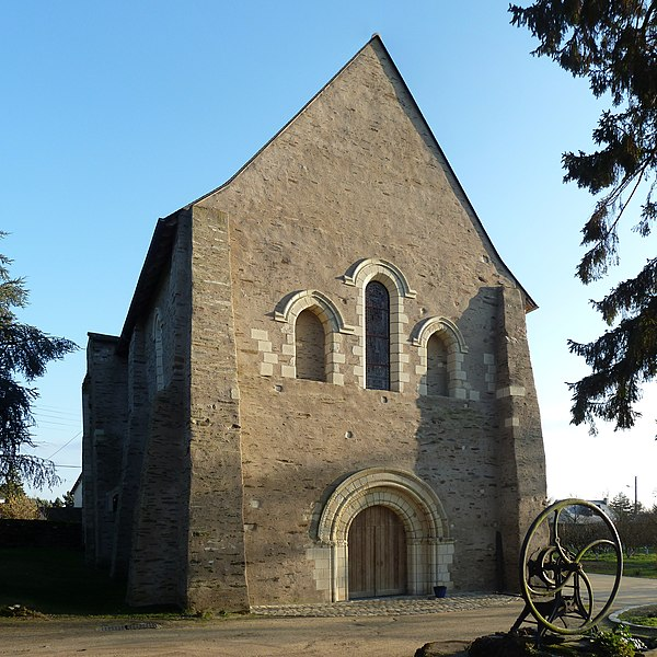 English:  Church facade of the priory of Saint-Augustin-lès-Angers (Saint Augustine near Angers), a 12th century church, 16 chemin du Prieuré in Angers, Maine-et-Loire, Pays de la Loire, France.