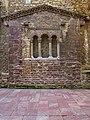 Primitivo muro testero de la Iglesia de San Tirso (Oviedo).jpg