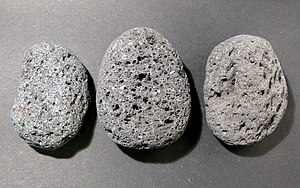 English: Pumice stones from the beach of the i...
