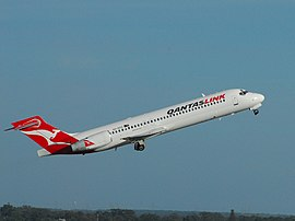 QantasLink B717-231 (VH-NXO) departing Perth Airport.jpg