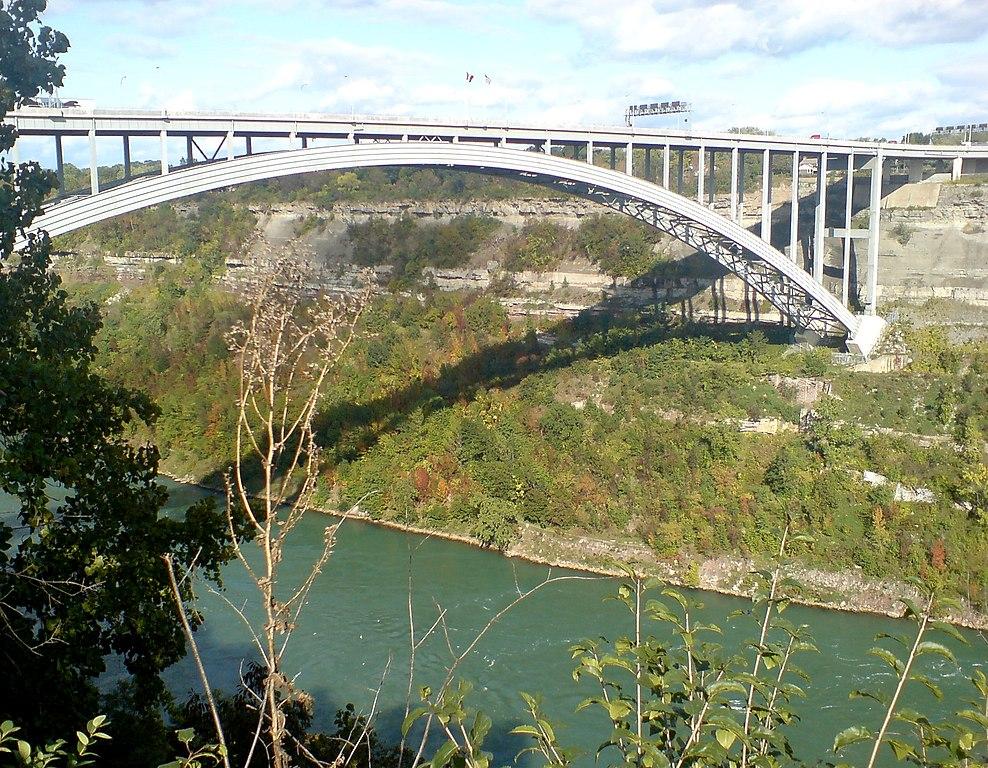 File:Queenston Lewiston Bridge UpStream.jpg - Wikimedia Commons