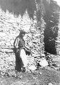 Quichua-indian med hatten prydd med blommot. Quichuadalen, Sydamerika. Peru - SMVK - 002384.tif