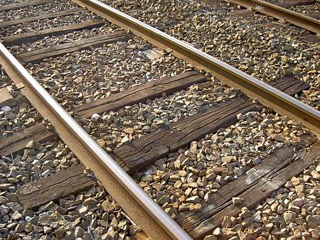 Landasan kereta api