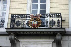 288px-Rathausbalkon_Uerdingen.jpg