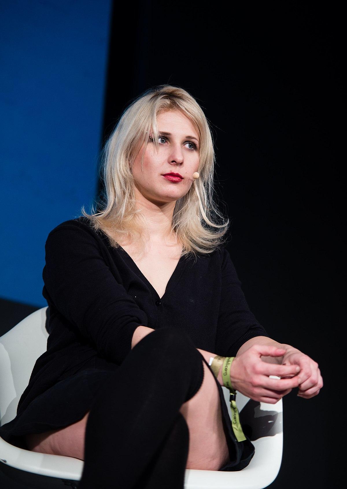 Maria Alyokhina - Wikipedia