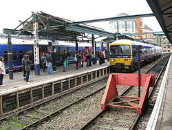 Reading - FGW 165126 in platform 2 during canopy demolition.jpg