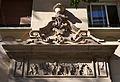 Relleu d'un edifici del carrer de l'Arxiduc Carles, València.JPG