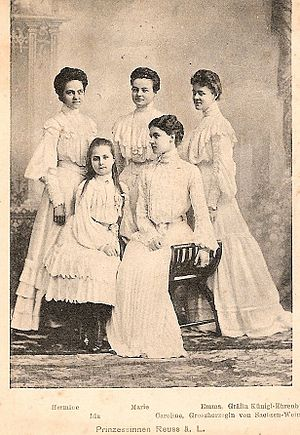 Hermine Reuss of Greiz - Hermine (left) and her sisters, 1903