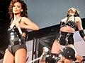 Rihanna - bercy 2011 - 20 (6269582628).jpg