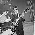 Roy Orbinson ontving gouden plaat voor Pretty Woman in Singel concertzaal, Roy, Bestanddeelnr 917-5749.jpg