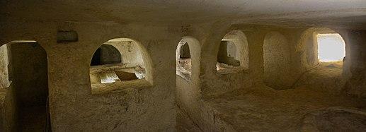 Saint Paul catacombs 11.jpg