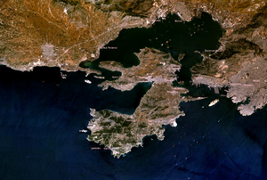 Η Σαλαμίνα από το δορυφόρο